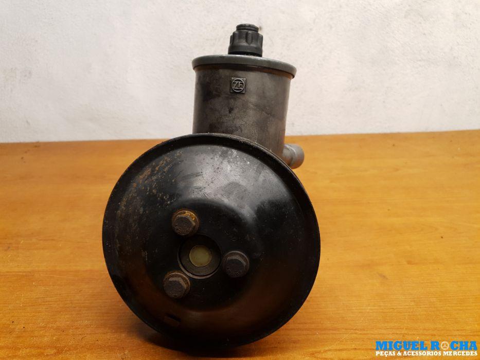 Bomba direcção Mercedes 110bar Ref 124 460 02 80
