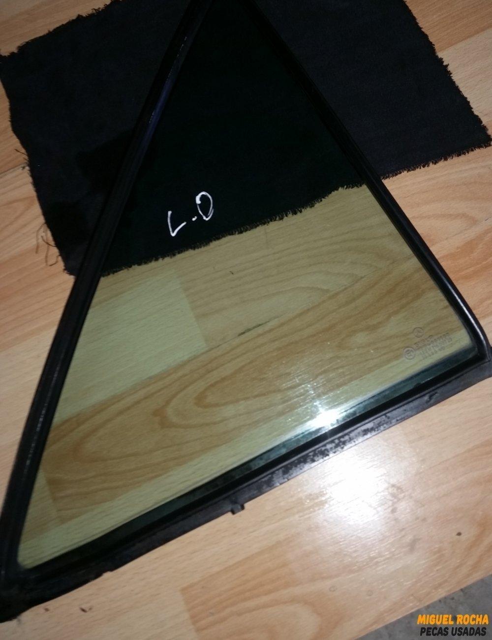 Vidro triangular porta de trás direita Mercedes 190