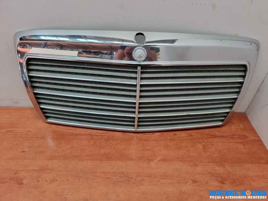 Grelha do capot original Mercedes W124